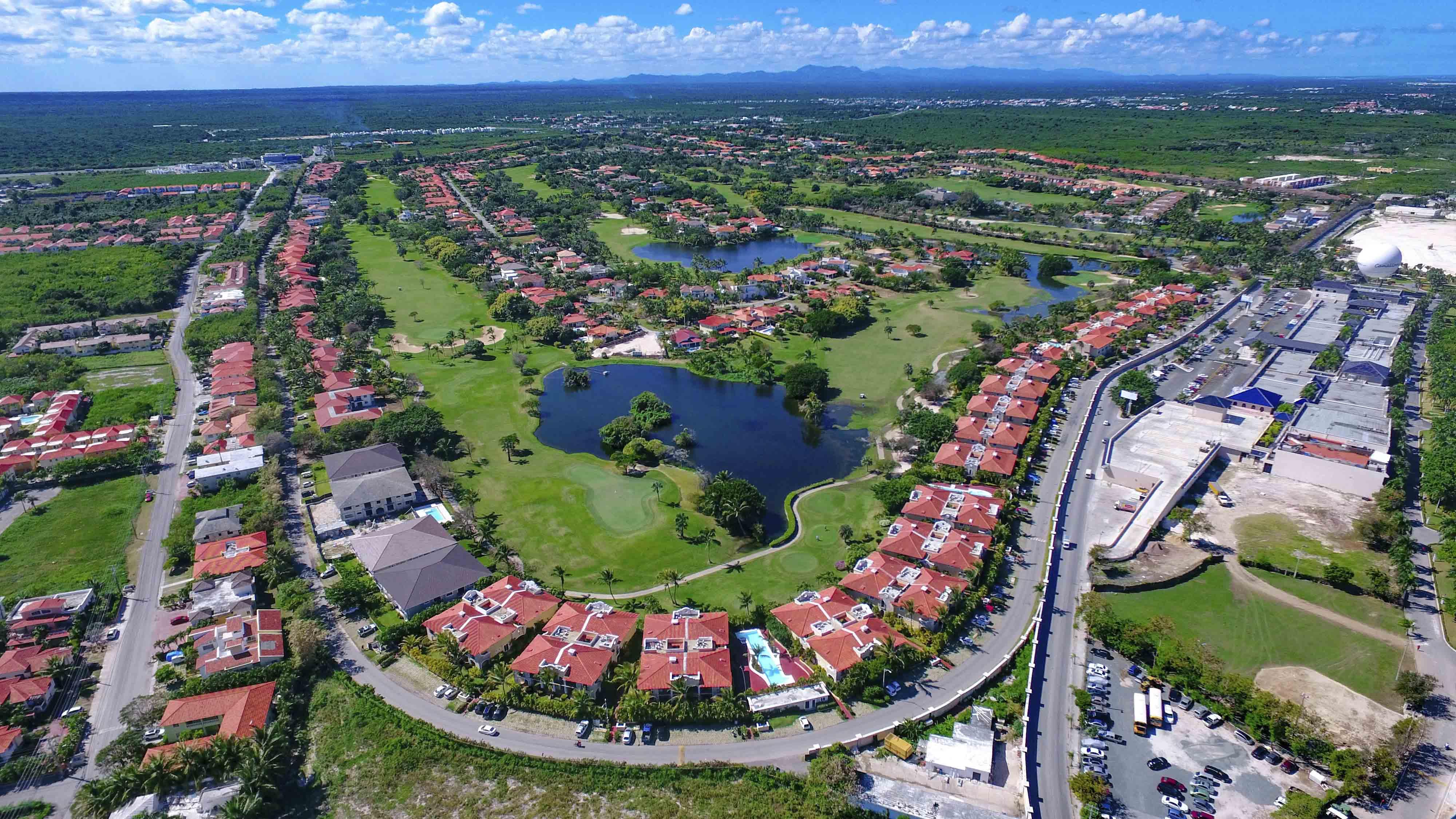 Bienes Raíces, Venta Apartamentos villas proyectos Bavaro Punta Cana